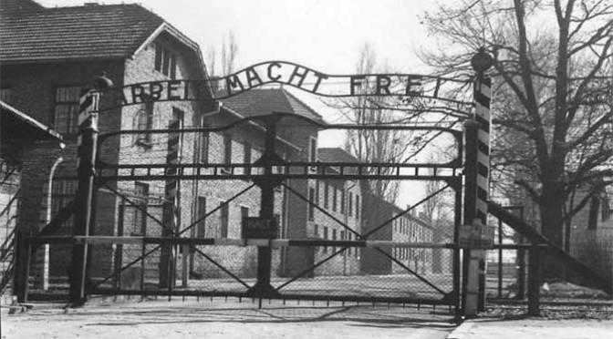 Auschwitz, Mauthausen, Bergen-Belsen: Il bambino col pigiama a righe e i luoghi dell'Olocausto