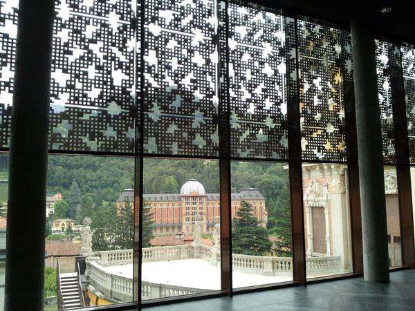 Il Grand Hotel di San Pellegrino Terme visto dall'interno del Teatro annesso al Casinò