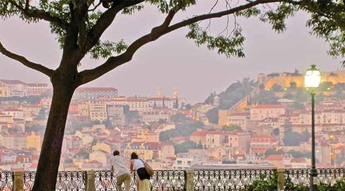 Movie tour a Lisbona con Sostiene Pereira