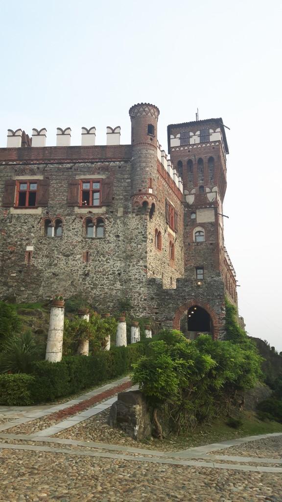 CastelloPavone_esterno